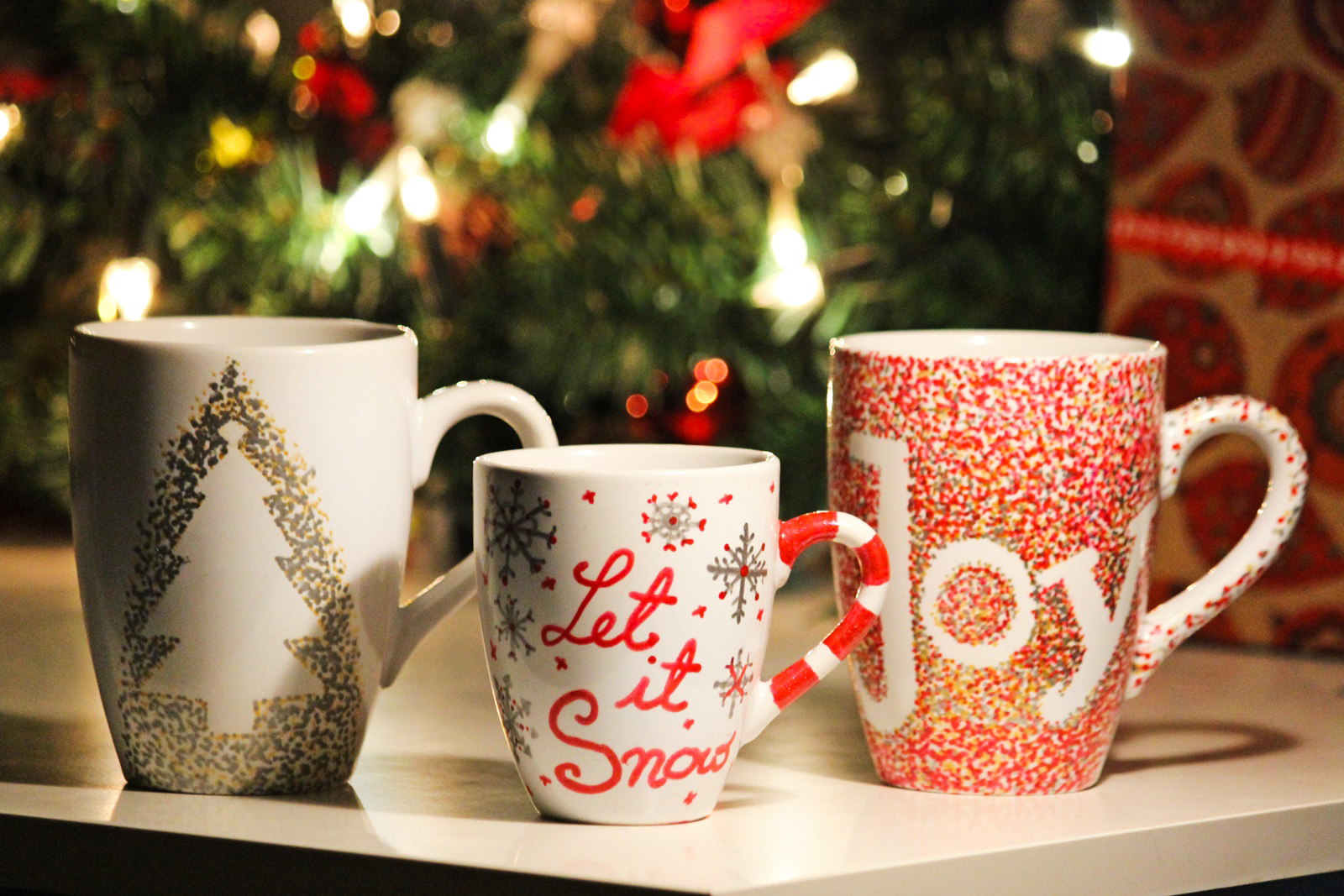 diy christmas mugs des belles choses. Black Bedroom Furniture Sets. Home Design Ideas