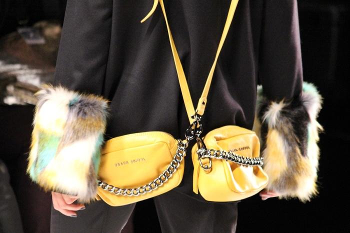 Warum nur eine Tasche, wenn man auch zwei tragen kann?
