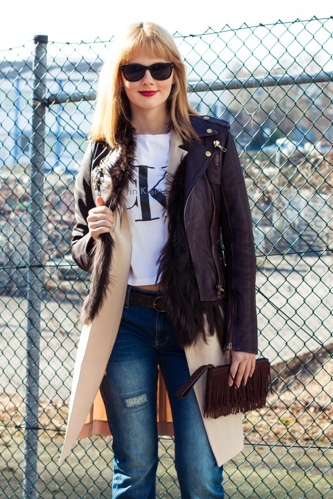 Outfit Young, wild & free - Calvin Kleid T-Shirt, Lederjacke, Long Blazer, Converse Chucks 3