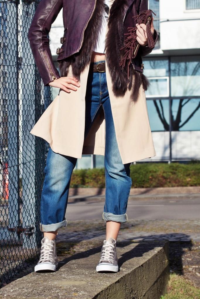 Outfit Young, wild & free - Calvin Kleid T-Shirt, Lederjacke, Long Blazer, Converse Chucks 5