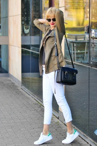 Outfit - The sneakers way - Stan Smith Adidas, khaki, white 1