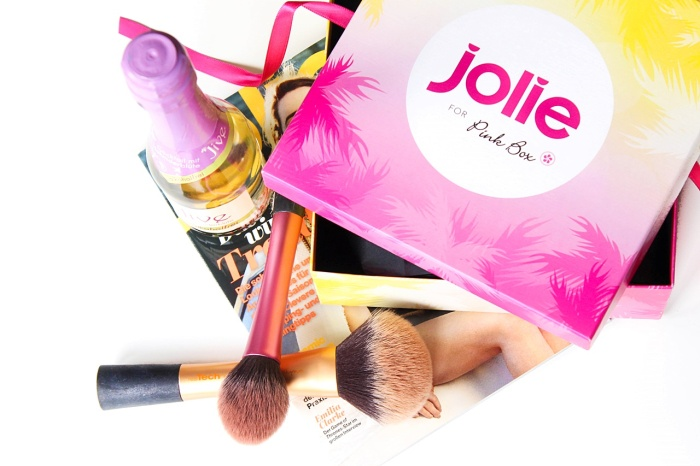 desbelleschoses-jolie-for-pink-box-2015 1