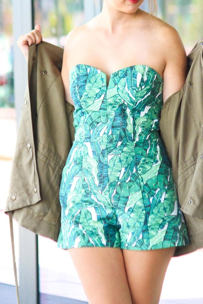 desbelleschoses-summer-look-trend-palmenprint-jumpsuit-khaki 3