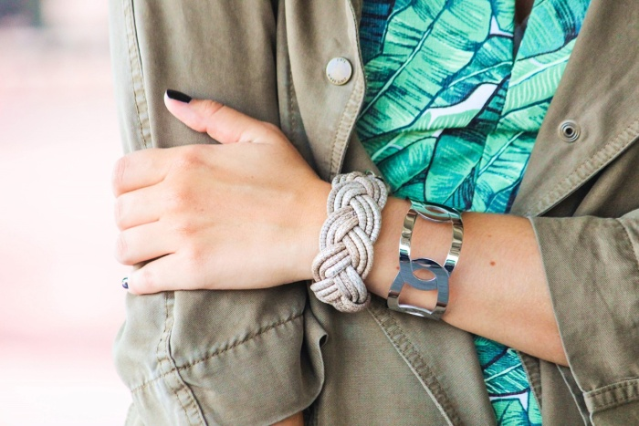 desbelleschoses-summer-look-trend-palmenprint-jumpsuit-khaki 4